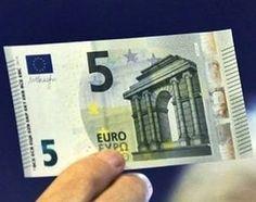 Le banks emiti le nove billets de cinq euros