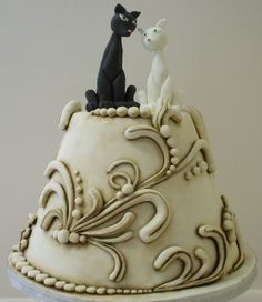 Antique Ivory Wedding Cake By reedyreedy on CakeCentral.com