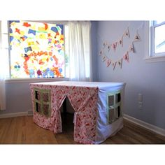A #playhouse under the table  Great #DIY #Playhouses