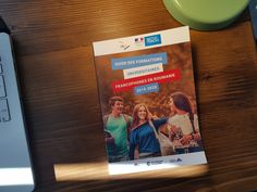 Yesterday, the results of the National Tests were made public. It's a good time to see the of francophone university formations in Romania. Thank you for the things we make France, Brochures, Guide, Magazines, University, Public, Teacher, Student, How To Make
