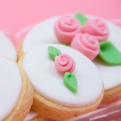 Share Tweet Pin It 2.9k Post Mail 6 I got a few request on how to make a quick mini rose like the ones on the photo. They are super easy to do and even kids can make them. The equipment is only: Colored rolled fondant or gum paste Small knife Small leaf cutter You… [read more...]