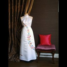 Női ruha - 05.Báli, menyecske és menyasszonyiruhák - Kalocsai hímzett menyasszonyi ruha