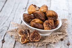 Several research and studies have shown that fiber is one of the vital ingredients to help you lose weight and do good digestion. Here are Fiber Rich Foods Health Benefits Of Figs, Unhealthy Diet, Fiber Rich Foods, Light Snacks, Dried Figs, Nutrition, How To Lose Weight Fast, Fat Burning, The Cure