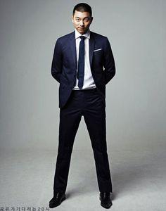 Gong Yoo's recent photos Sexy Asian Men, Asian Boys, Gong Yoo, Korean Military, Korean Drama Quotes, Kyung Hee, Coffee Prince, Goong, Mens Clothing Styles