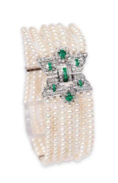 A fine pearl emerald diamond bracelet