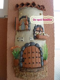 Tile decorated with paper pulp - Modern Bottle Painting, Bottle Art, Diy Painting, Clay Crafts, Diy And Crafts, Arts And Crafts, Play Clay, Miniature Houses, Diy Garden Decor