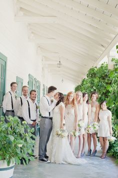 a well dressed wedding party  Photography By / http://onelove-photo.com,Floral Design By / http://midvalleyflorist.com
