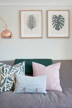 Warm Grey walls, with pops of pastel Pinks and Copper lighting. Botanical prints featured on the wall, tie in the Deep Green perfectly. Pastel Living Room, Grey Walls Living Room, Living Room Decor Pillows, Living Room Green, Living Rooms, Grey Green Bedrooms, Pink Gray Bedroom, Green Rooms, Warm Grey Walls