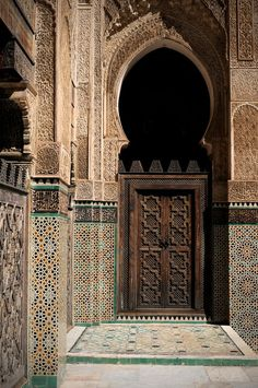 I see patterns that could be jali too. Africa | Morocco, Fez. Medersa Bou Inania - the finest of Fez's theological colleges.  © Ania Blazejewska