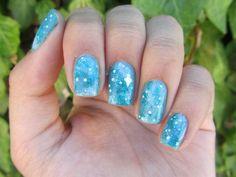 Dramatic nail art, it's so pretty