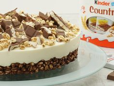 """Children& Country Pie- Kinder-Country-Torte Kinder Country cake is easy to prepare without baking. """"Eva& Backparty"""" presents the recipe in the video. Baby Food Recipes, Sweet Recipes, Cake Recipes, Snack Recipes, Dessert Recipes, Cookie Cake Decorations, Cake Decorating, Wedding Decorations, Fall Desserts"""