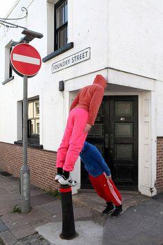 Проект «Bodies in Urban Spaces» («Тела в городских пространствах») был придуман в 2007 году австрийским художником и хореографом Вилли Дорнером (Willi Dorner).
