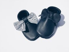 Interchangeable bow Cash moccs/ baby girl shoes / by thewarrenfarm