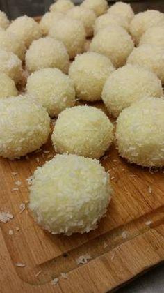 Krispie Treats, Rice Krispies, Sweets, Kitchen, Desserts, Food, Raffaello, Tailgate Desserts, Cooking
