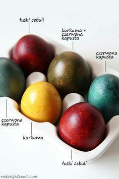 Barwienie jajek Diy For Kids, Easter Eggs, Breakfast, Food, Turmeric, Morning Coffee, Essen, Meals, Yemek