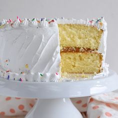 Easy and fluffy vanilla cake + birthday! Baking Recipes, Cake Recipes, Dessert Recipes, Desserts, Easy Chocolate Chip Cookies, Sweet Bakery, Pan Dulce, Cake Photography, Sweets Cake