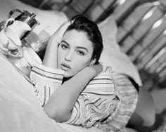 Monica Bellucci & coffee