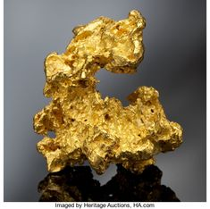 FINE GOLD NUGGET Mount Margaret, Western Australia Of all the metals in the entire world, Gold has for - Available at 2012 May 20 Natural History &. Minerals And Gemstones, Rocks And Minerals, Gold Prospecting, Crypto Bitcoin, American Indian Art, Gold Art, Rocks And Gems, Silver Bars, Precious Metals