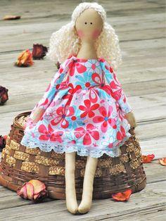 Rag doll cute fabric doll softie plush cloth #softie #plush #doll #handmadedoll #ragdoll #clothdoll #giftforgirls #HappyDollsByLesya by HappyDollsByLesya