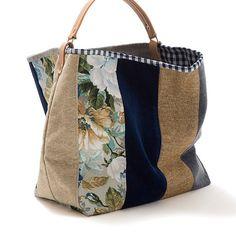 Large bucket bag Pennyroyal Canvas bag от AWAYOFLIFEhandmade Patchwork Bags, Quilted Bag, Bag Quilt, Sacs Design, Diy Bags Purses, Diy Handbag, Denim Bag, Fabric Bags, Cotton Bag