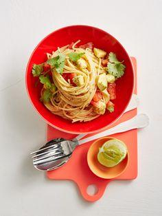 Spaghetti mit Tomaten-Avocado-Salsa