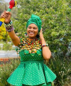 Explore South African wedding traditions, latest Igbo traditional wedding attire, what to wear to a Ghanaian wedding, shweshwe wedding dresses and African Fashion Skirts, South African Fashion, African Inspired Fashion, Africa Fashion, African Wear, African Women, African Dress, Beaded Cape, Shweshwe Dresses