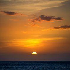 Tonight's #sunset #sun #shoots #clarklittle Northshore of Oahu