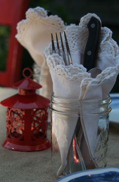 Al fresco dining means cute and easy water glass, napkin and silverware, all in one.