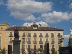 Plaza de Isabel II, Centro. Madrid by voces, via Flickr