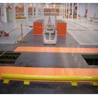Esteira de Corrente  A Esteira de Corrente é um dos equipamentos mais essênciais para a sua empresa, não deixe de conferir mais no link abaixo.  http://www.solucoesindustriais.com.br/empresa/transportadores_elevacao_e_manipulacao_industrial/amch/produtos/transportadores-elevacao-e-manipulacao/esteira-de-corrente