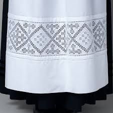 Apron for the Voss bunad with hardanger embroderies. Hardanger Embroidery, Cross Stitch Embroidery, Scandinavian Embroidery, Norwegian Christmas, Drawn Thread, Textiles Techniques, Brazilian Embroidery, Folk Costume, Cutwork