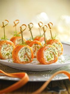 Appetizer Recipes, Appetizers, Spinach Dip, Canapes, Skewers, Caramel Apples, Baked Potato, Food And Drink, Favorite Recipes