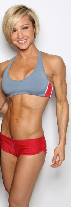 Some women fear lifting weights will make them look 'bulky' and unfeminine.  Proving that wrong. Jaime Eason.