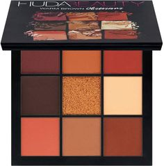 Beauty guru and entrepreneur Huda Kattan blends her makeup expertise and with her debut Huda Beauty Eyeshadow Palette - Rose Gold Edition. Instantly bring light and warmth to your look with Huda's go-to palette. Make Up Palette, Eye Palette, Warm Eyeshadow Palette, Red Eyeshadow Look, Huda Beauty Eyeshadow, Brown Eyeshadow, Neutral Eyeshadow, Eyeshadow Basics, Sparkly Eyeshadow
