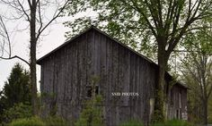 Forgotten and abandoned barn in PA | by amabileuno
