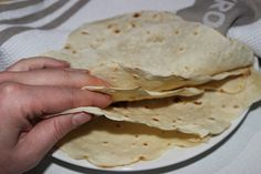 These plain wraps are so yummy! They've been approved by everyone that's tasted them and were pretty easy to make too. You may like to make 2 lots (doubling may be too hard for your … Thermomix Bread, Bellini Recipe, Tortilla Wraps, Food Club, Wrap Recipes, Light Recipes, Freezer Meals, Tortillas, Burritos