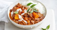 Indian beef and pumpkin curry. Let the crockpot do all the work with this slow-cooker Indian beef and pumpkin curry. Serve with rice for a super-easy dinner. Slow Cooker Beef, Slow Cooker Recipes, Beef Recipes, Cooking Recipes, Recipies, Vegetarian Recipes, Healthy Recipes, Rogan Josh, Slow Cooking