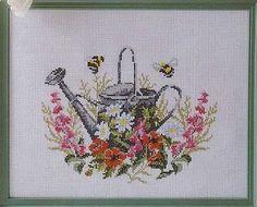 Gallery.ru / Фото #60 - Мини-схемки - IrisWite Bee, Cross Stitch, Diagram, Punto De Cruz, Dots, Needlepoint, Crosses, Seed Stitch, Honey Bees