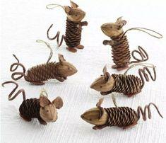 Handicrafts with pine cones - the 15 most beautiful DIY handicraft Basteln mit Tannenzapfen – Die 15 schönsten DIY Bastelideen Handicrafts with pine cones – the 15 most beautiful DIY craft ideas – pine cone mice - Kids Crafts, Fall Crafts, Diy And Crafts, Craft Projects, Pinecone Crafts Kids, Pine Cone Crafts For Kids, Holiday Crafts, Mouse Crafts, Adult Crafts