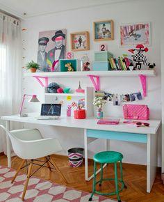 Desk station for kids. Very simple and so lovely Room Design Bedroom, Kids Room Design, Home Office Design, Home Office Decor, Bedroom Decor, Home Decor, Office Desk, Creative Office Decor, Scandinavian Kids Rooms