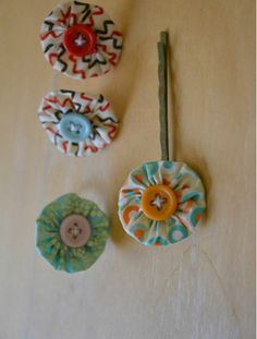 Tutorial: Use Scrapbooking Supplies to Make Jewelry - Yo Yo Jewelry - Click the image for the Tutorial!