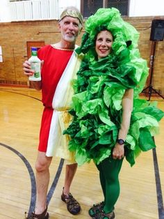 Think you've got an awesome Halloween costume?HuffPost Comedy is back with our annual round up of the best Halloween costumes of the year. Halloween Costumes 2014, Hallowen Costume, Halloween 2017, Holidays Halloween, Halloween Make Up, Halloween Decorations, Halloween Party, Food Costumes, Diy Costumes