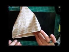 Easy Lace Bag Holder Tutorial - jennings644