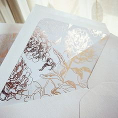 These delicately foiled envelopes liners in rose gold will add the perfect touch, quality and elegance to any invitation. It comes assembled