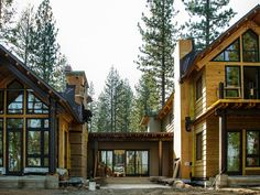 HGTV Dream Home 2014 has a unique H-shaped layout with two wings that feel like distinct cabins. >> http://www.hgtvremodels.com/dream-home/hgtv-dream-home-2014-new-mountain-architecture/pictures/index.html?soc=pindhm