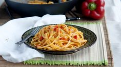Here you have yet another of our favourite Italian-inspired dishes. Despite the fact that popular preparations are fun to make and eat, we always feel that expressing our creativity by developing n…