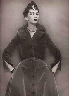 Avedon and Dovima Paris 1950