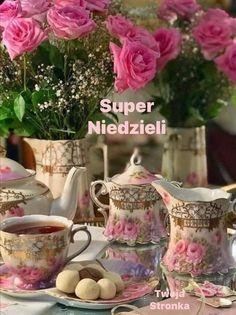 Beautiful Flowers Garden, Beautiful Flower Arrangements, Beautiful Roses, Beautiful Things, Coffee Presentation, Dream Tea, Japanese Tea Ceremony, Special Flowers, Vintage Tea
