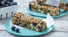 Granola bars can be a godsend for busy people. But you can do better than the sugary and greasy prepackaged variety. If you have a bit of time over the weekend, it's worth spending it on making your own granola bars, with oats, fresh and dried B.C. blueberries, seeds, nuts and nut butters. Follow this recipe to see just how easy it is.