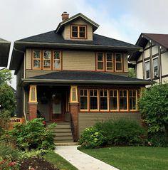 Our Tiny Oak Park Bungalow: Color inspiration on my morning run Craftsman Exterior, Craftsman Style Homes, House Paint Exterior, Exterior Paint Colors, Craftsman Bungalows, Craftsman House Plans, Exterior House Colors, Bungalow Exterior, Paint Colours